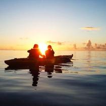 【早朝シーカヤック体験】青い海の上で、日の出の瞬間を目に焼き付けたときは、涙が出ちゃいます♪