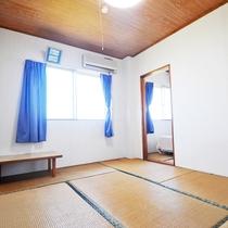 【和室10畳(バス・トイレ・ベッド付)】6畳と4畳の和室が隣り合った和室10畳の客室です。