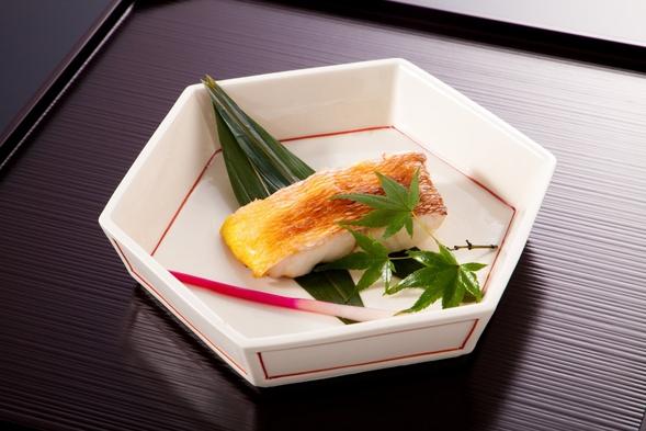 芸舞妓さんと過ごす京舞と京会席の夕べ 写真撮影も千社札も頂ける2食付(朝・夕)プラン