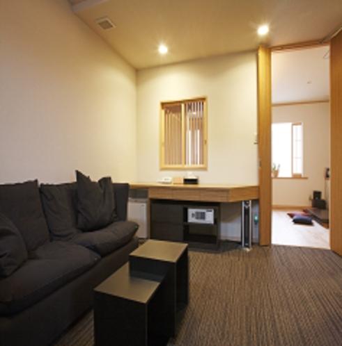 【別邸】 2階ソファー