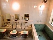 1F中型風呂はご家族で貸切り可能です