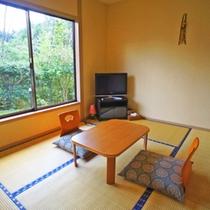 【客室】シンプルで丁度良い広さの6畳和室
