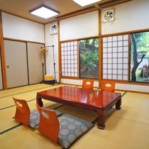 【客室】グループでご利用可能な広々和室