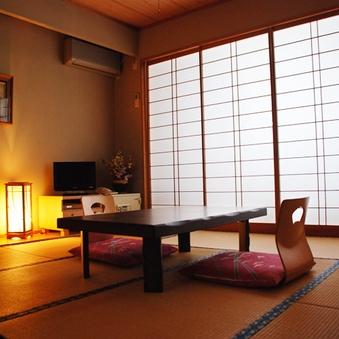 和室8畳 2名〜4名 昔ながらの和室でのびのびと・・