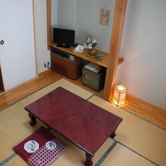 和室6畳 1名〜2名 昔ながらのこじんまり和室