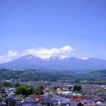 *【蔵王】残雪の蔵王連峰がくっきりと見えます。