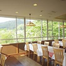 *【食堂】朝夕のお食事はこちらにご用意致します。
