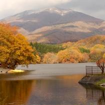*【長老湖】湖面に山々の姿が写し出されることも。【当館から車で約30分】