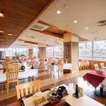 *【食事会場】開放感のある会場にてお食事をご提供致します。