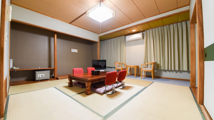 *【和室8畳】ご夫婦やカップル、グループでのご宿泊に丁度いい広さです。