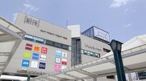 【行き方①】川越駅東口を出ると、アトレが見えてきます。