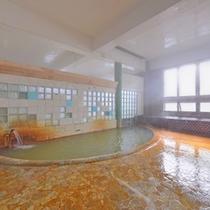 *大浴場/鉄分を多く含む百沢温泉の泉質は、神経痛、リュウマチ、五十肩などに効きます。