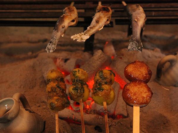 五平餅と芋田楽