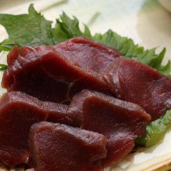【夕食】馬刺しは低カロリーで高タンパク!鉄分も多く含まれております!