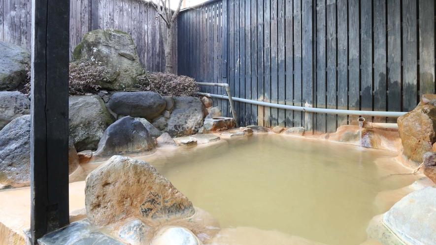 【温泉・内湯】2017年春完成!やわらかく優しいと定評あるかけ流し温泉です。