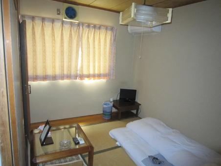 和室4畳半【喫煙】バス・洗浄便座付トイレ