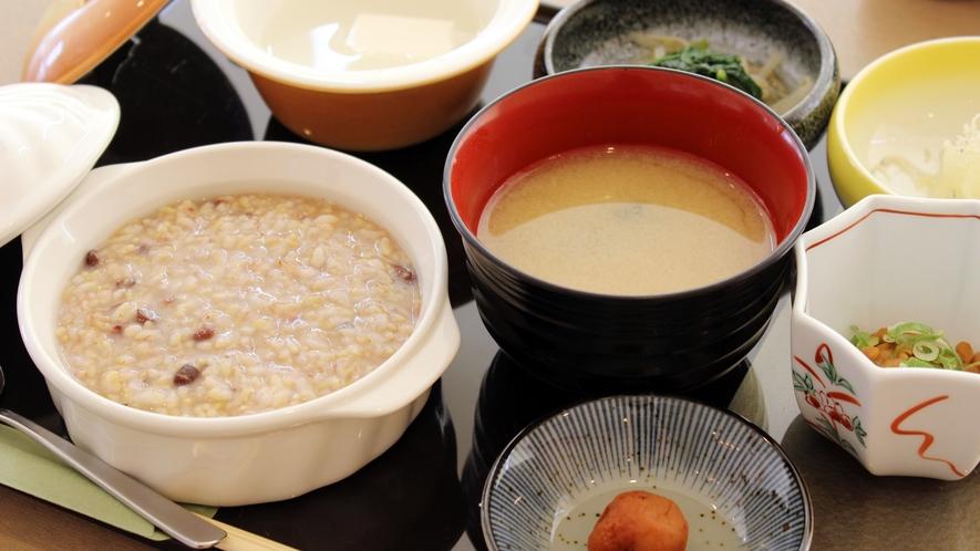 *【補食~おかゆメニュー~】玄米がゆを中心としたメニューです