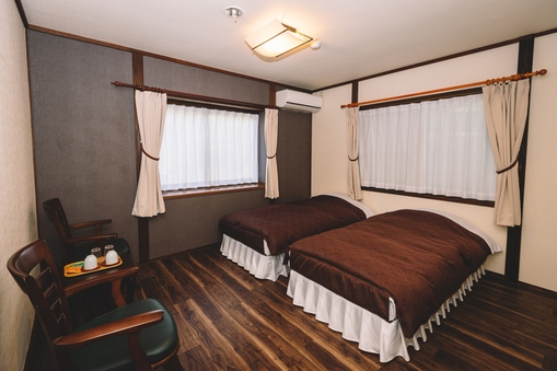 1F ツインルーム洋室(トイレなし)