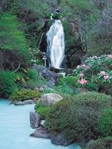 本館 赤川温泉赤川荘の露天風呂 写真1