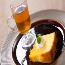 2014年 新春の献立 デザート 手作りシフォンケーキ 紅茶