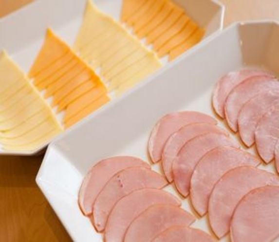 チーズとハム
