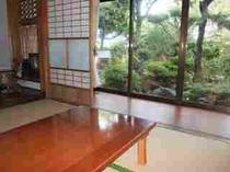 昭和の香りのする母屋:食事会場