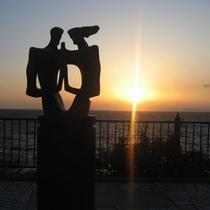 宿の目の前、夕陽の名所「旅人岬」