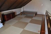 ロフトの琉球畳。子供たちに雑魚寝が人気!