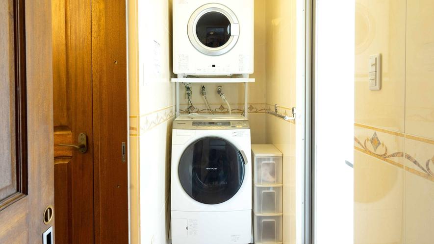 ・【洗濯機】乾燥機付きで連泊の際便利です