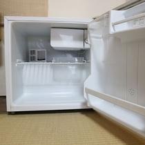 *【冷蔵庫】全室冷蔵庫は完備しております。ご自由にご利用ください。