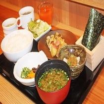 「遠州男唄濱松たんと」での朝食