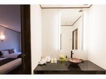 プレミアムルーム和洋室 明るい洗面!