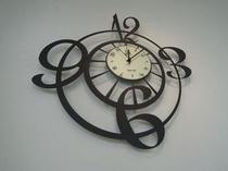 イタリア製のデザイン時計