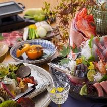 【2015年9月頃のお料理(一例)】秋の気配を感じられる会席をご用意いたします。