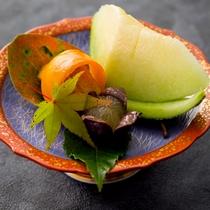 【2016年秋のお料理(10月一例)】季節の果物をお召し上がり下さい。
