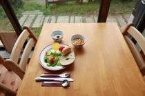 ある一日の朝食風景