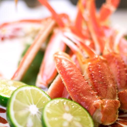 *特別料理 『蟹』うまみ汁たっぷりの蟹をお好みですだちをかけてお召し上がりください。