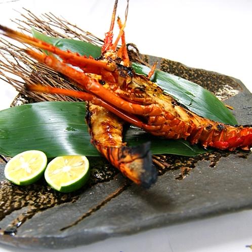 *【伊勢海老】素材の味をそのままに 香ばしく焼きあげた鬼殻焼きでお召し上がりください。