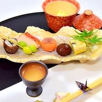 *お料理一例  味だけではなく目でも楽しめるようお料理には工夫を凝らしております