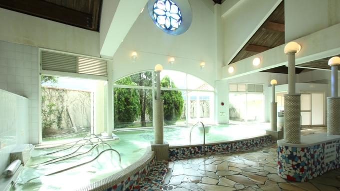 ≪素泊り≫広い温泉でゆっくり♪種類多彩なレストランで、お食事はお好きなものを食べませんか♪