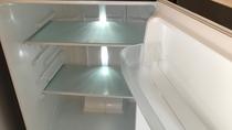 広々2ドア冷蔵庫  (各部屋完備)