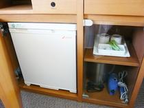 冷蔵庫と備品