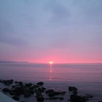 *積丹半島を望む日本海に沈む夕日は絶景