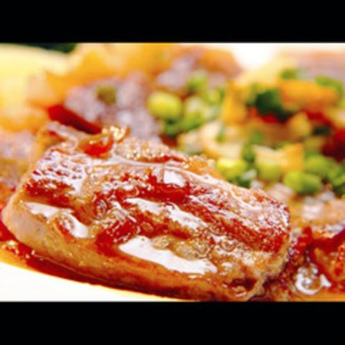 【ご夕食】牛ステーキはオリジナルソースで!