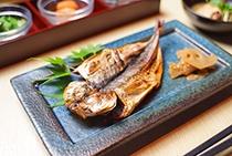 朝食 焼き魚