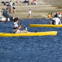 *ビーチでのカヌー体験