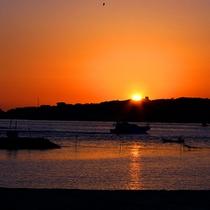 *日間賀島の夕日
