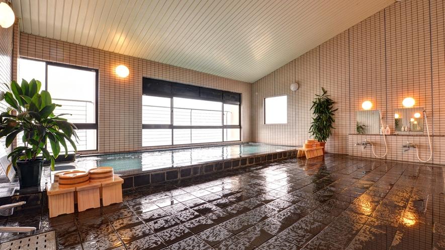 *大浴場/解放感に溢れた展望大浴場からの眺望を、ぜひゆっくりご堪能下さい。