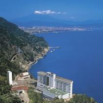 駿河湾と富士山一望のホテル「松風閣」