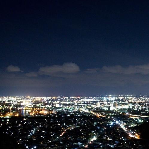 【客室廊下側からの夜景(焼津市内)】